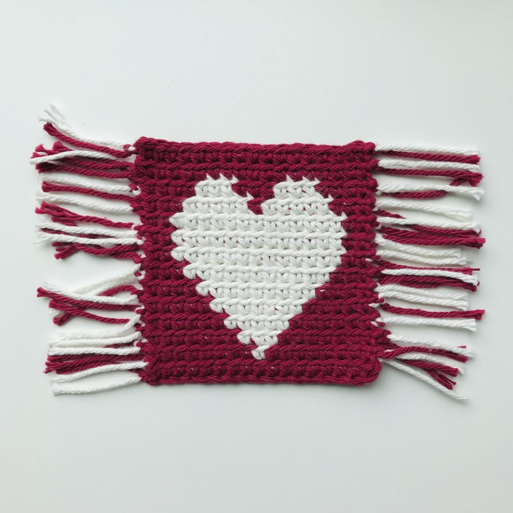 One-directional flat tapestry crochet
